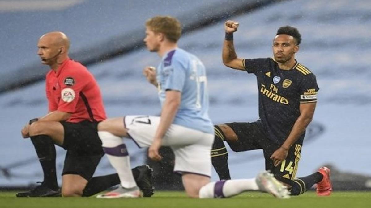 Campeonato de fútbol inglés reanuda actividades con mensaje antirracista