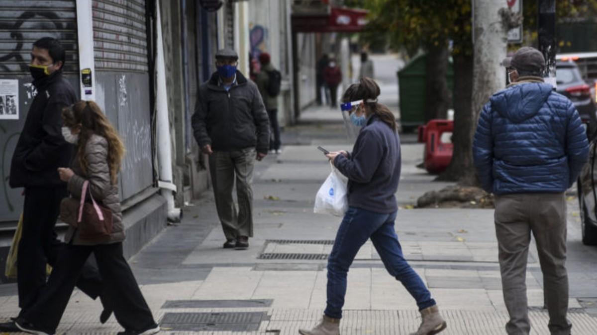 Chile sobrepasa los 300.000 contagios y confirma 2.462 nuevos casos de COVID-19 en las últimas 24 horas