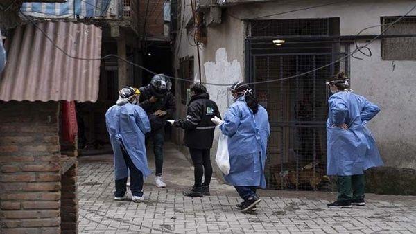 Argentina: casos de COVID-19 siguen marcando récord diario y llevan a radicalizar controles