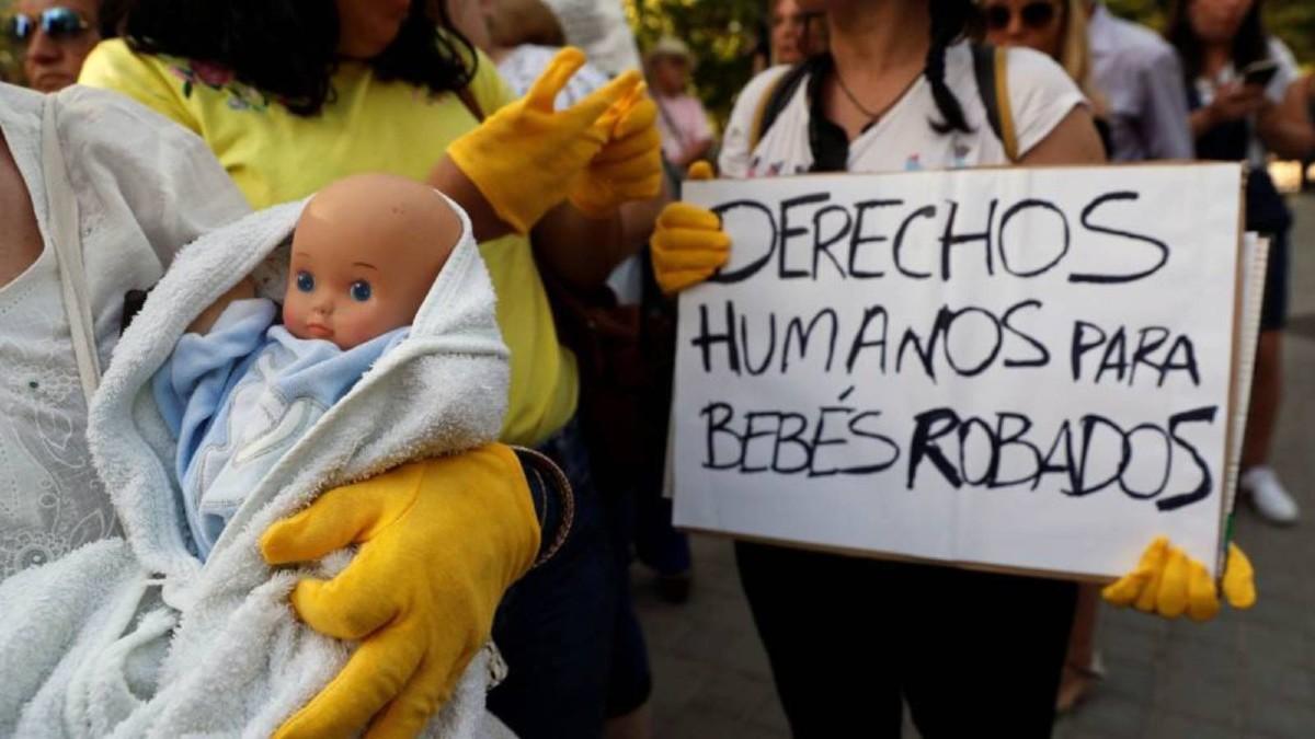 Existen 20.000 denuncias por robos de bebés en España