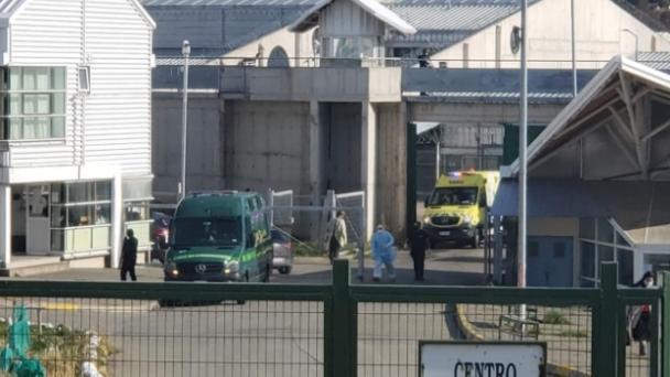 Punta Arenas: interna que llegó a cárcel local resultó positiva a COVID-19