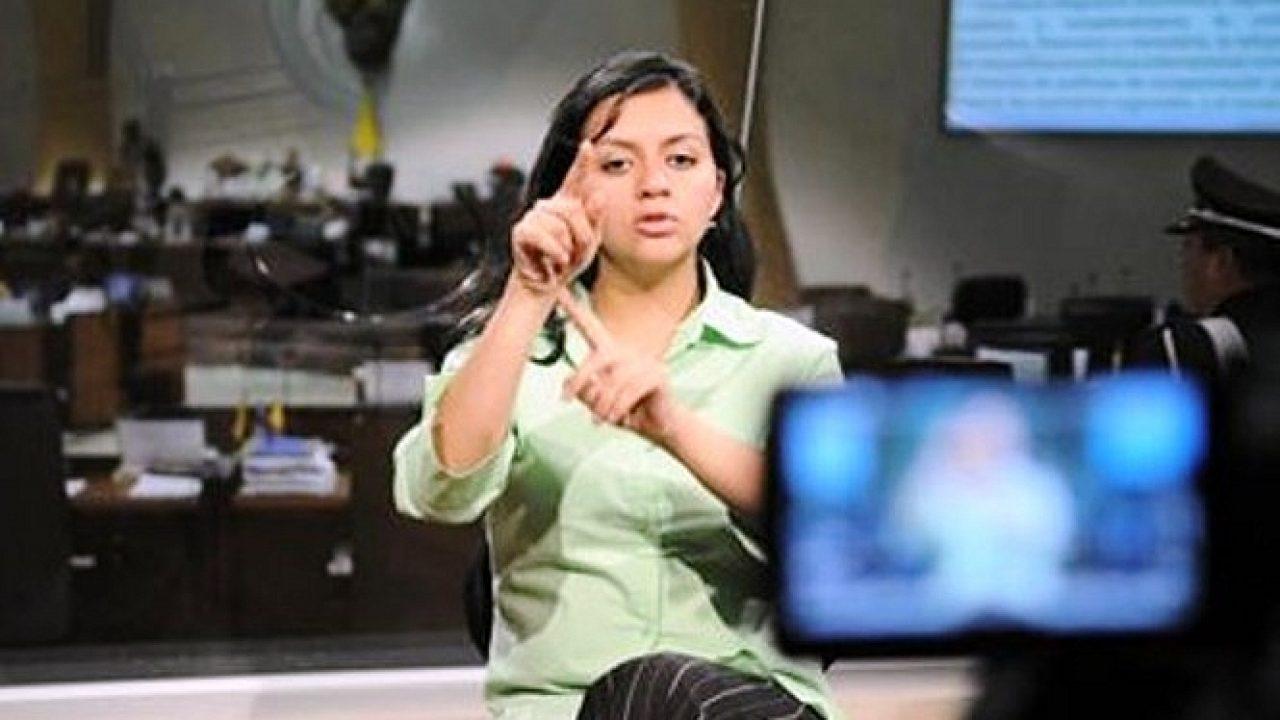 Los Lagos: incluyen intérpretes de señas en balances de COVID-19