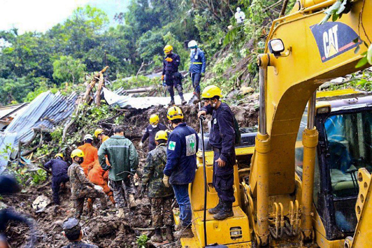 Lluvias complican situación en El Salvador y dejan al menos 27 muertos y 10 desaparecidos