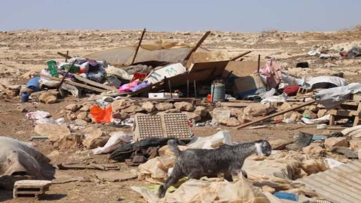 Israel destruye líneas de agua palestinas en el Valle del Jordán ocupado