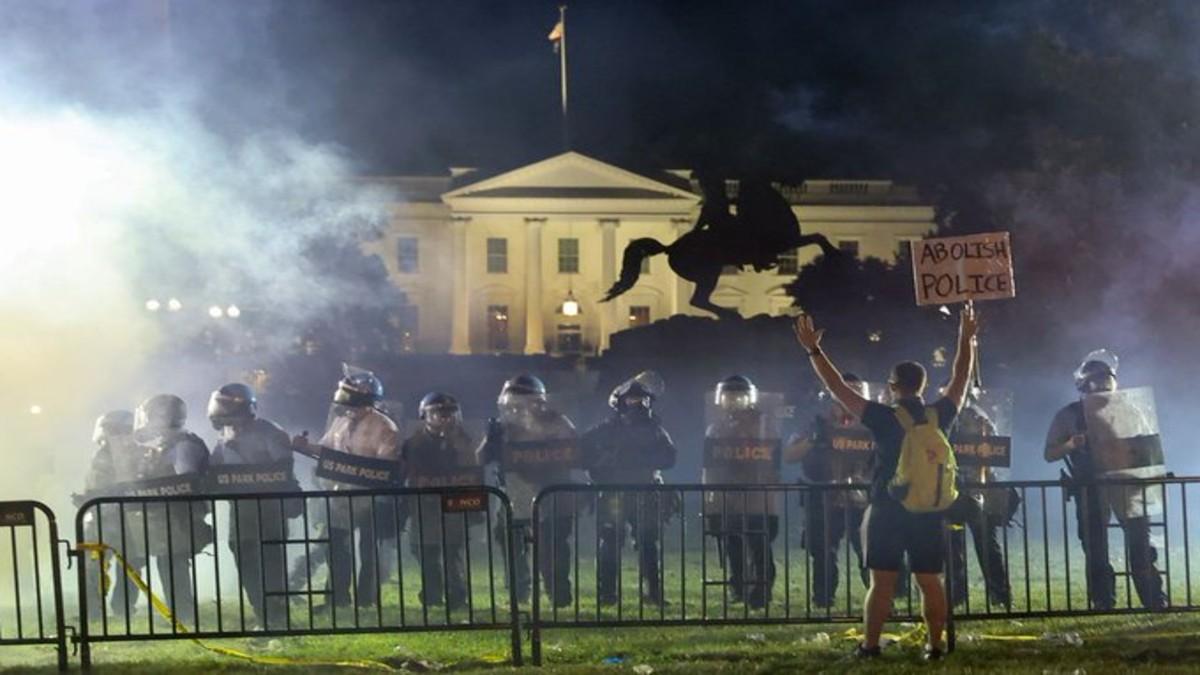 Sexto día de protestas en EE.UU. por la muerte de George Floyd: una noche de caos se vivió en la Casa Blanca