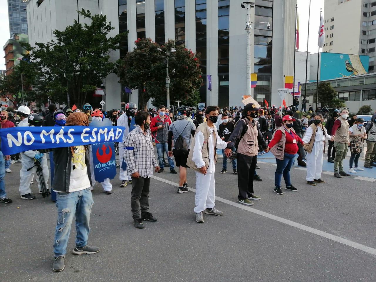 Colombia: denuncian fuerte represión contra manifestaciones en Bogotá y Medellín