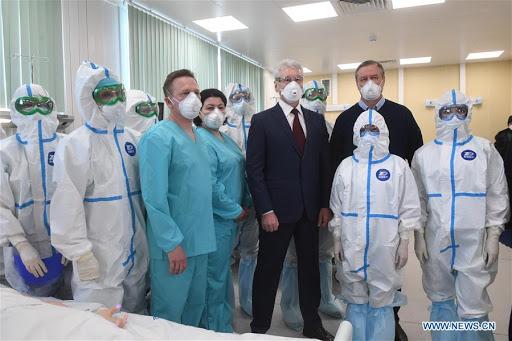 Rusia supera los 592.000 casos de COVID-19 con 7.600 infectados en un día