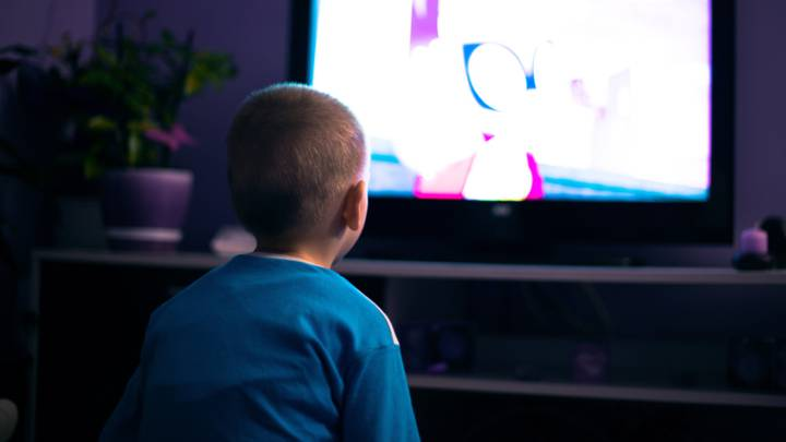 Endurecen medidas sanitarias a canales de TV por programas matutinos