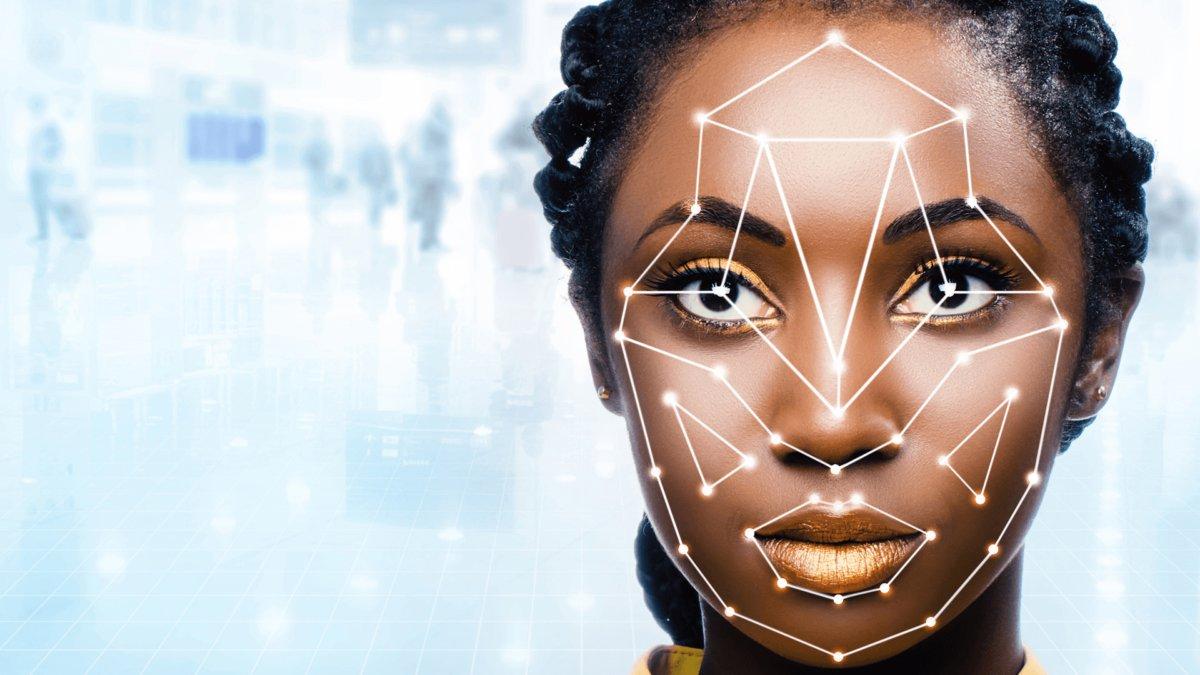 Fawkes, la aplicación que altera fotos para engañar programas de reconocimiento facial