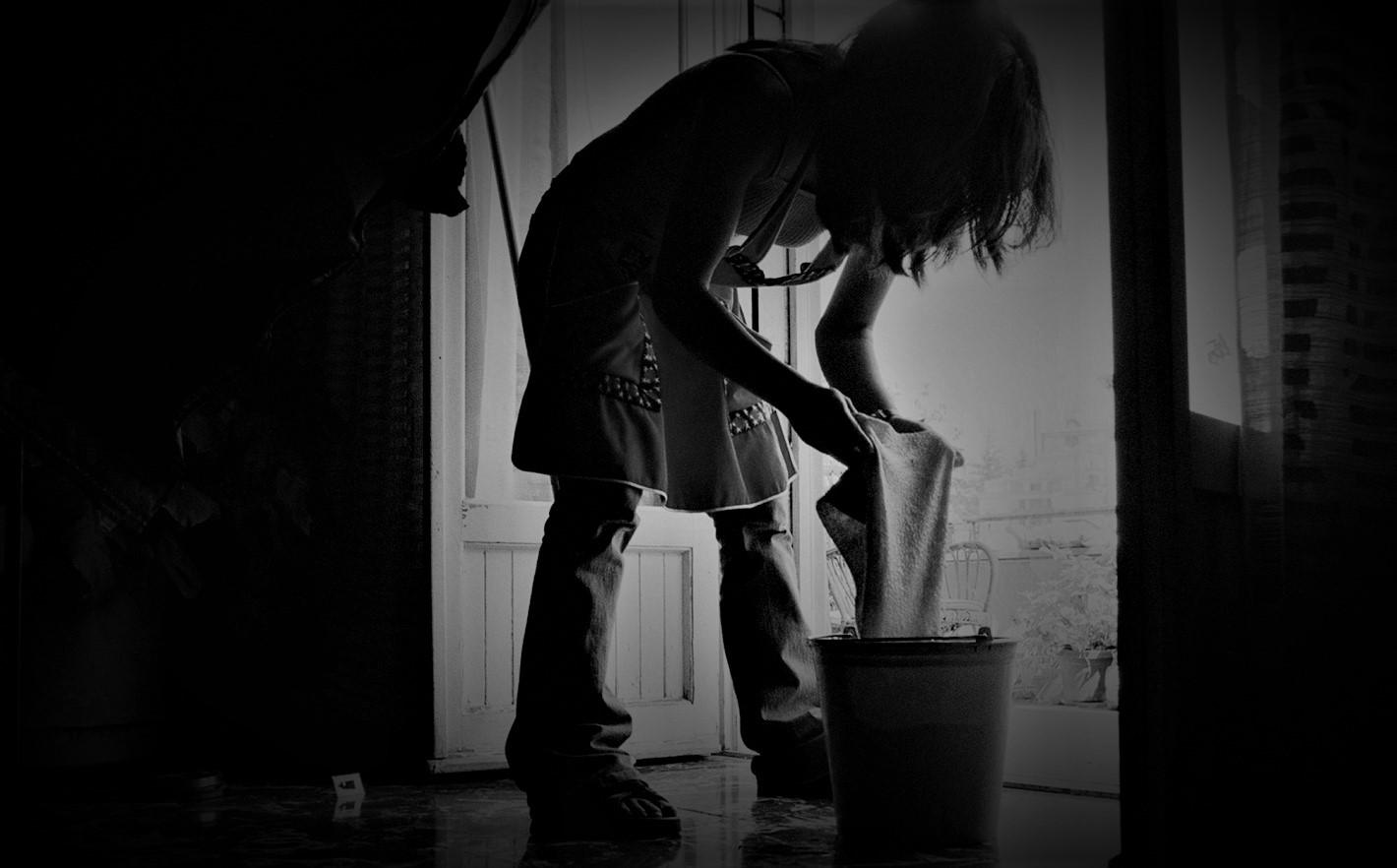 """""""Aquí no entra luz"""": documental brasileño revela racismo y esclavitud moderna de empleadas domésticas"""