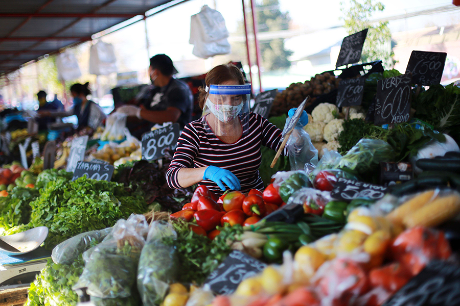 Feriantes no serán excluidos del «bono pymes»: Senado aprobó indicación presentada por diputado Daniel Núñez