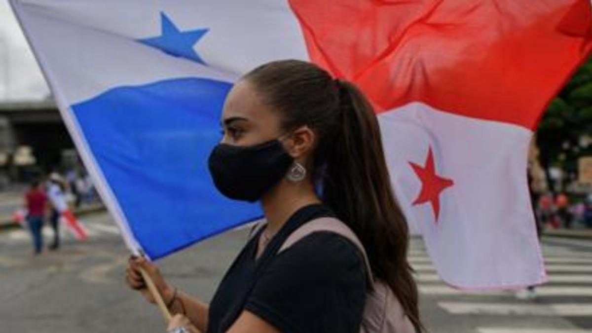 Presidente de Panamá sanciona ley contra discriminación política de las mujeres