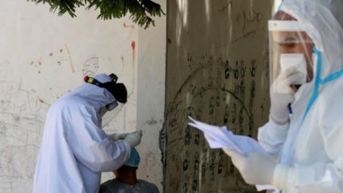 Palestinos reciben el primer envío de la vacuna rusa Sputnik V