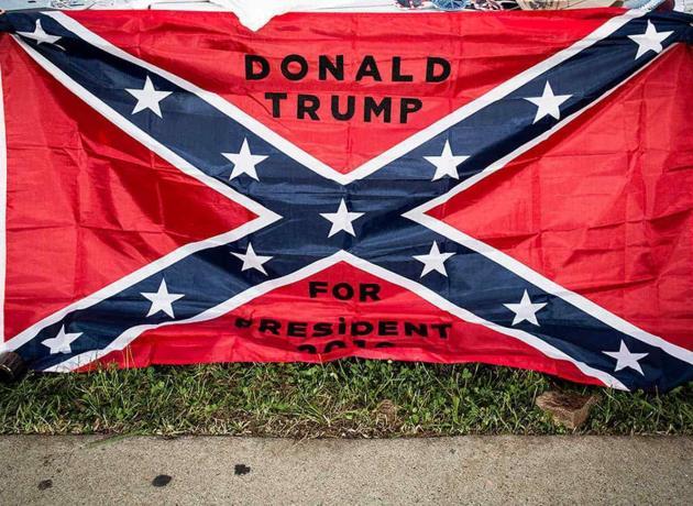 """Trump defiende el uso de la bandera confederada y dice que es """"un símbolo de orgullo"""" del sur de EE.UU."""