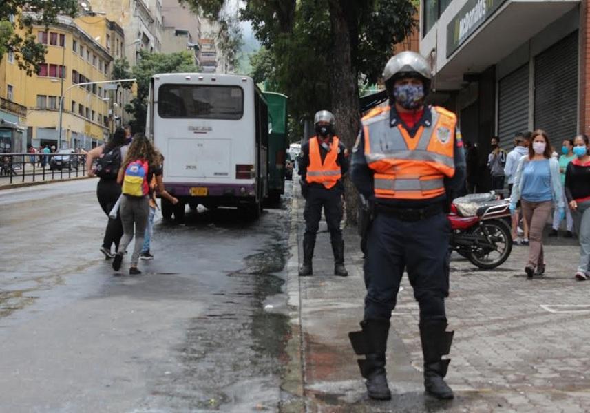 """Venezuela reporta """"aumento progresivo"""" de casos de COVID-19 y llega a los 12.774 contagios"""