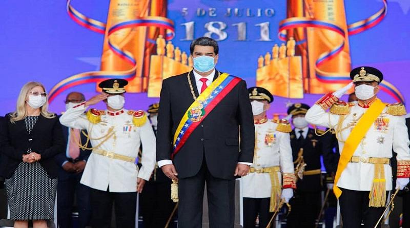 Maduro lideró acto por los 209 años de la independencia de Venezuela y ascendió a más de 1.000 militares