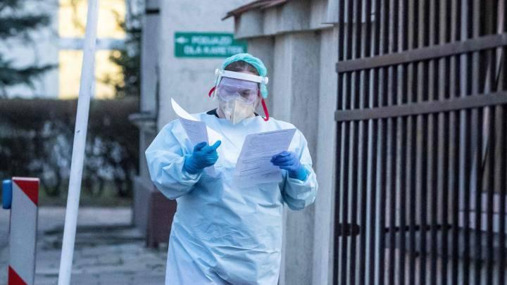 Argentina alcanza nuevo pico diario de contagios con 2.979 casos y 62 decesos