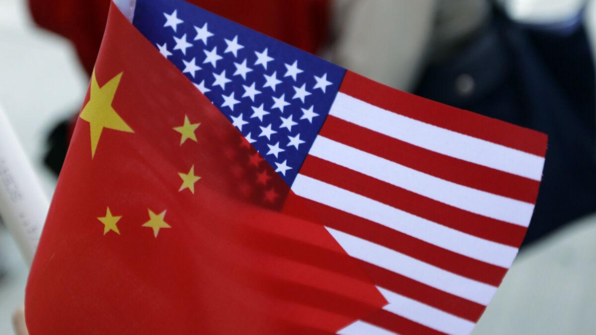 Banderas China y EE. UU.