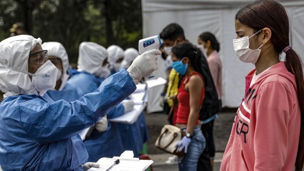 Venezuela garantiza medicamentos para pacientes de COVID-19 pese a la persecución de EE.UU.