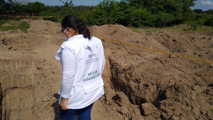 Colombia: piden suspender entierro de muertos por COVID-19 en fosa con posibles «falsos positivos»