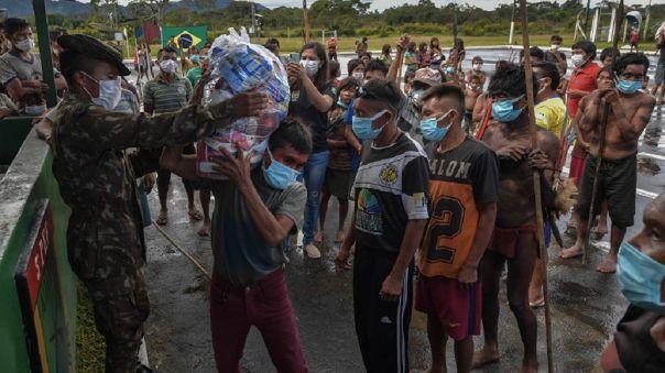 Investigan si una misión militar puso en riesgo de COVID-19 a comunidades indígenas de Brasil