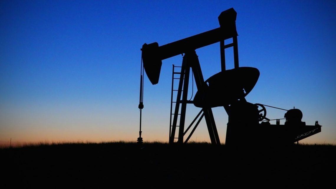 """Irán no se rendirá y dice que política de """"máxima presión"""" de EE. UU. no detendrá su producción petrolera"""