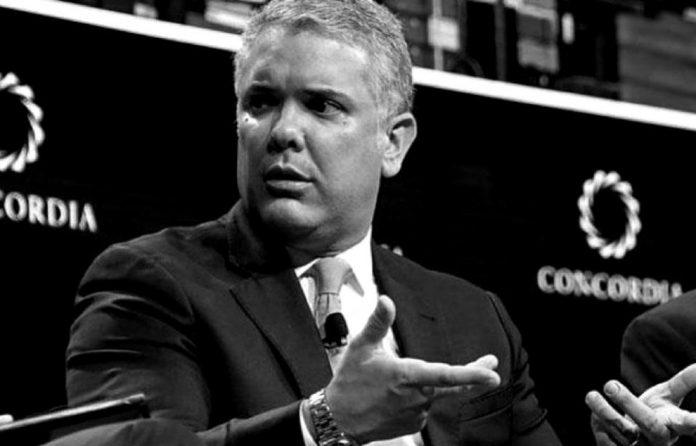 Duque podría enfrentar juicio político si no detiene operaciones de tropas de EE.UU. en Colombia