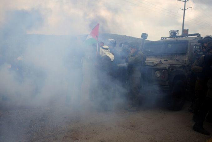 Tropas de Israel reprimen manifestación palestina contra expansión de asentamientos