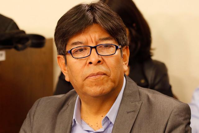 Diputado Esteban Velásquez exige al Ministerio de Educación ofrecer detalles del retorno a clases 2020