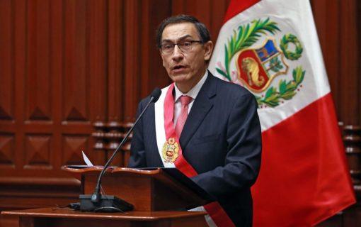 Congreso de Perú debate moción contra presidente Martín Vizcarra