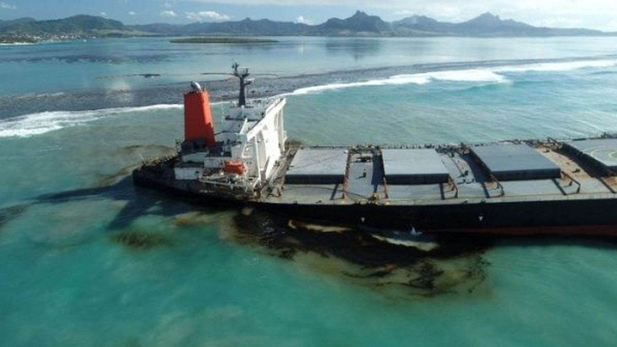 Empresa del buque petrolero causante del derrame en Mauricio esta dispuesta a responsabilizarse