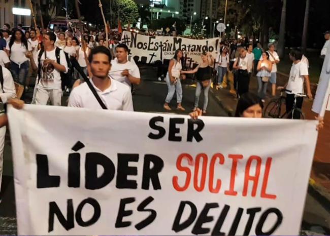 """""""Hombres fuertemente armados"""" asesinan a otro líder social en Colombia"""