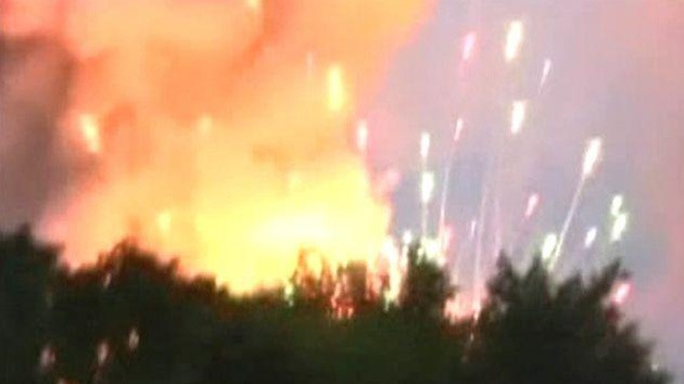 """Niño de 4 años está en riesgo vital al incendiarse su vivienda por fuegos artificiales de un """"narcofuneral"""""""