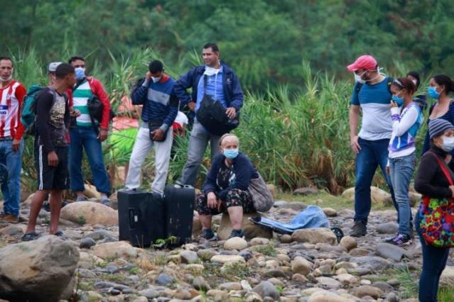 Venezuela lucha contra mafias que retornan ilegalmente a miles de  connacionales desde Colombia bajo el peligro del COVID-19