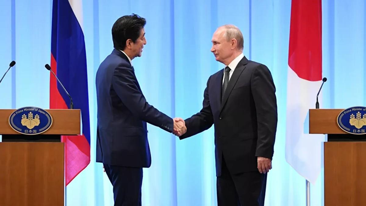 Putin y Shinzo Abe dialogan sobre acuerdos bilaterales