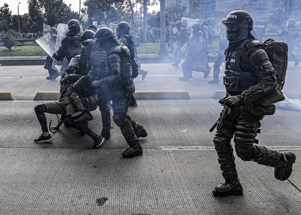Gobierno de Colombia asegura que ya pidió perdón por excesos policiales