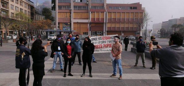 Poblador es detenido mientras Mesa Social de Valparaíso denunciaba represión en manifestaciones del 11 de septiembre