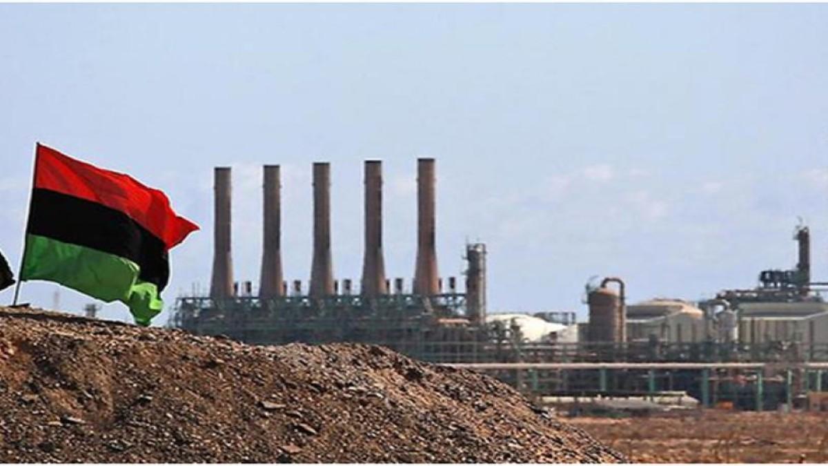 El petróleo Brent supera los 55 dólares el barril por primera vez desde febrero de 2020