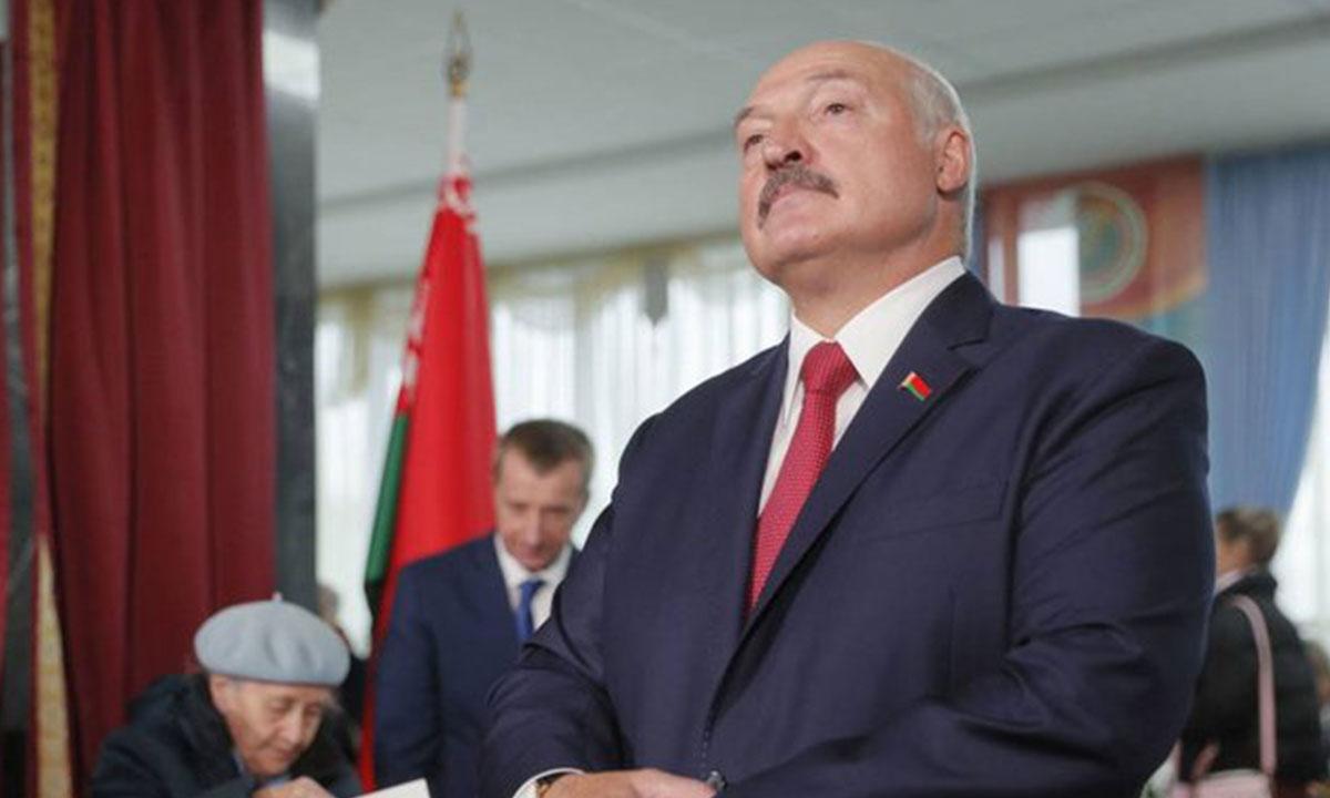Lukashenko anuncia cierre de fronteras de Bielorrusia con países vecinos