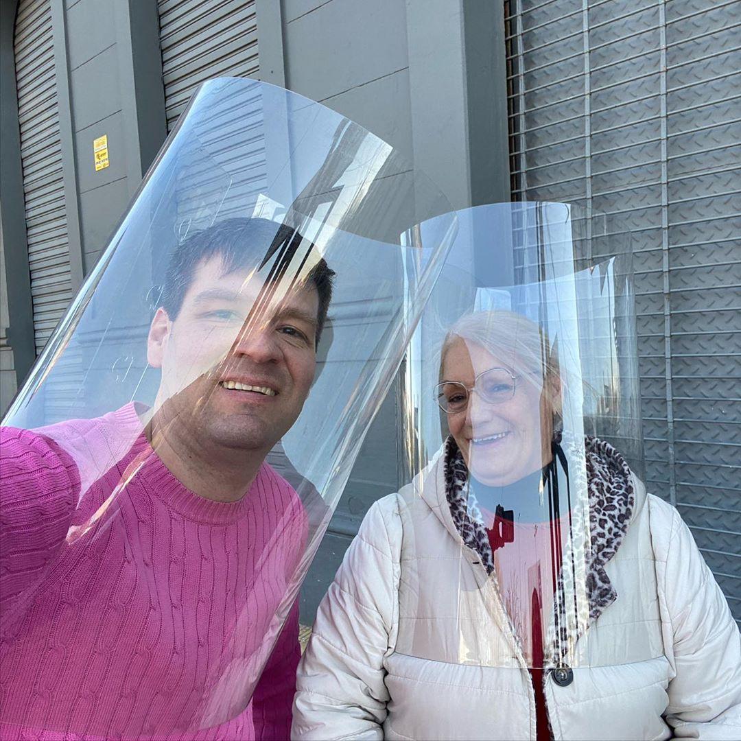 Tubo Respira Bien: Argentino inventó cilindro plástico que protege contra el Covid-19