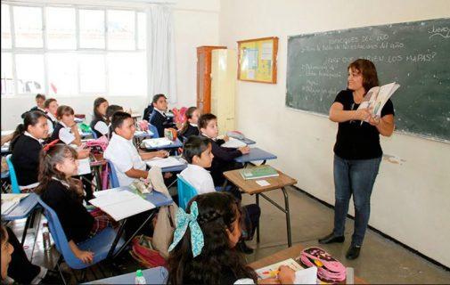 Magisterio en México podría sufrir el recorte más grande en 16 años