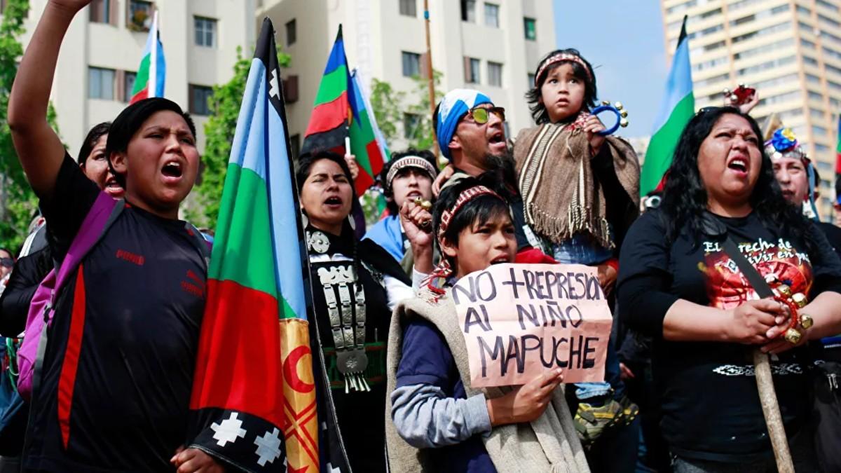 Crece la tensión en Argentina tras la recuperación de territorios por los mapuches