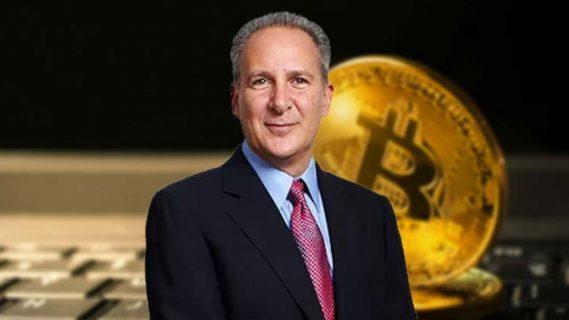 Economista Peter Schiff admite haberse equivocado: ¡El bitcoin no se desplomó!