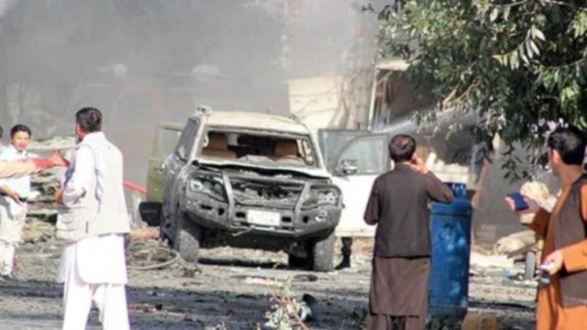Vicepresidente de Afganistán sufre un atentado bomba