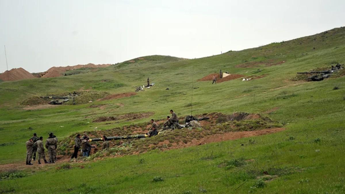Armenia dice que Azerbaiyán perdió desde anoche 960 soldados y 3 helicópteros en Nagorno Karabaj