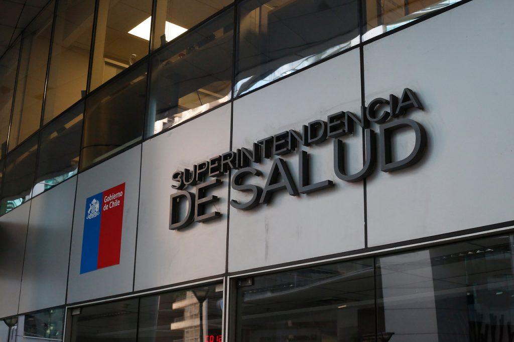 Superintendencia de Salud ofició a las Isapres para congelar alza de planes
