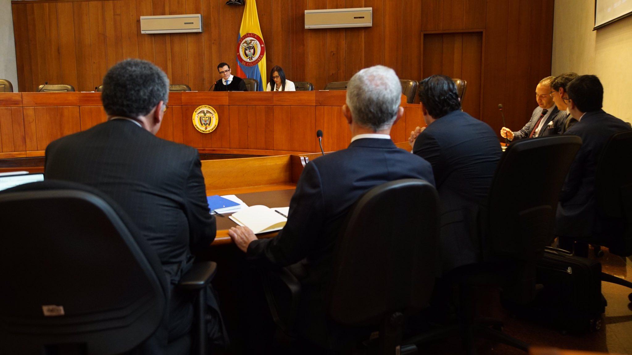 """""""Por tratarse de delitos comunes"""": trasladan caso de Uribe a la Fiscalía General"""