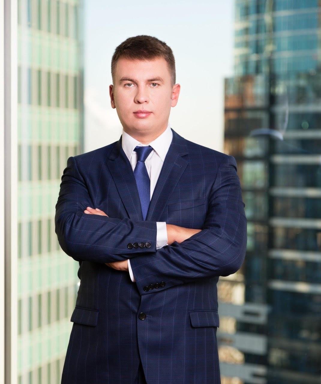 Ilya Remeslo: » Se debe iniciar un proceso criminal contra los empleados de Navalny por la falsificación de pruebas «