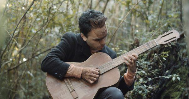 """Camilo Eque estrena su nuevo single y video, """"Amor Invierno"""""""