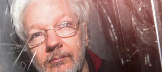 Psiquiatra testifica que Assange corre riesgo de suicido si es extraditado a EE.UU.